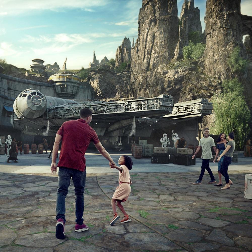 Star Wars: Galaxy's Edge - Star Wars Land in California | Disneyland on