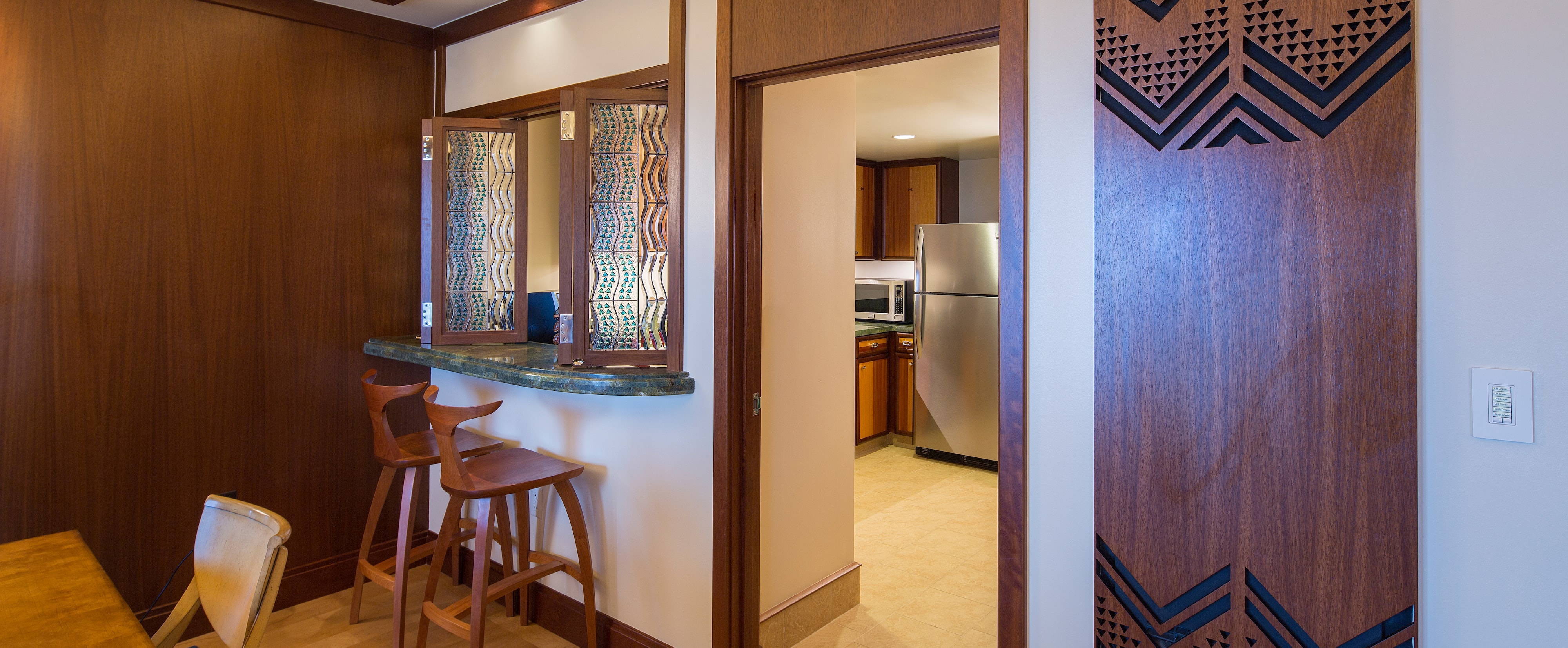 The breakfast bar in the Deluxe 1-Bedroom Suite