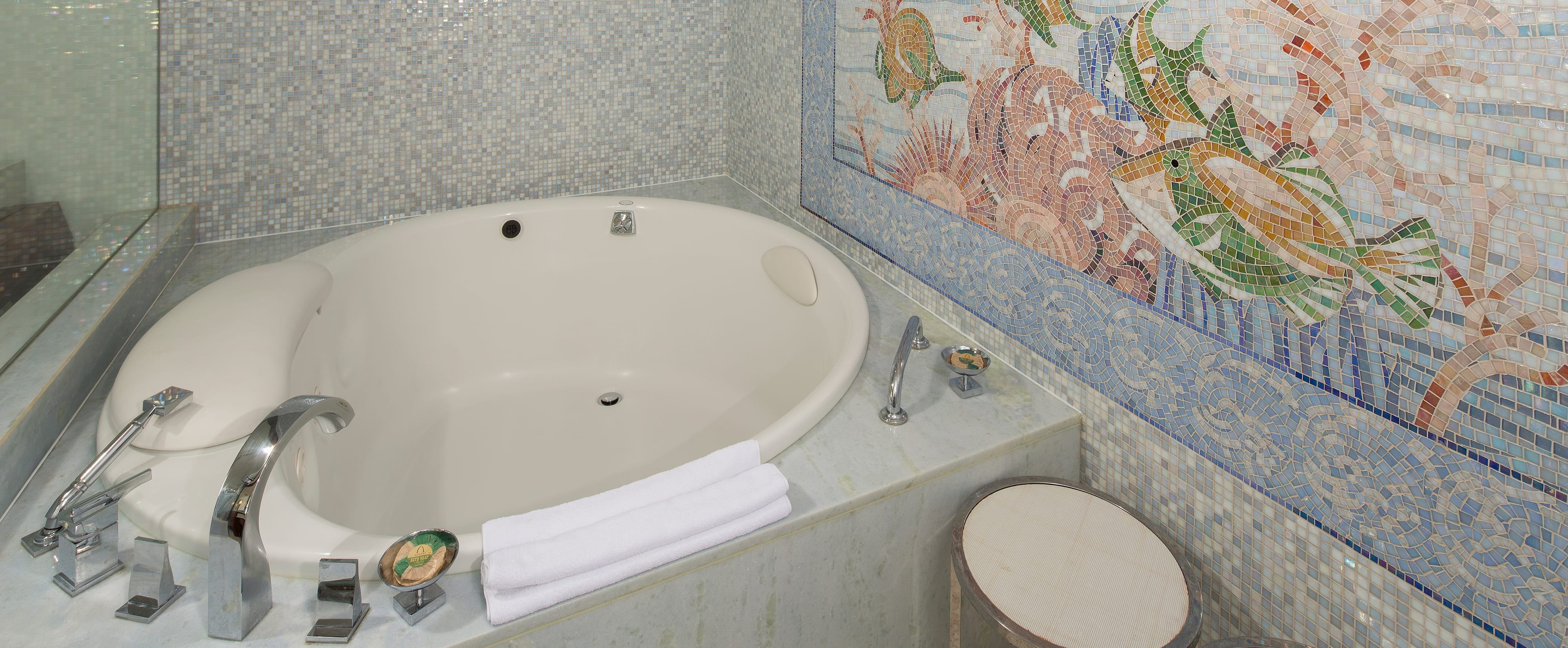 The tub in the master bathroom of the 1-Bedroom Suite