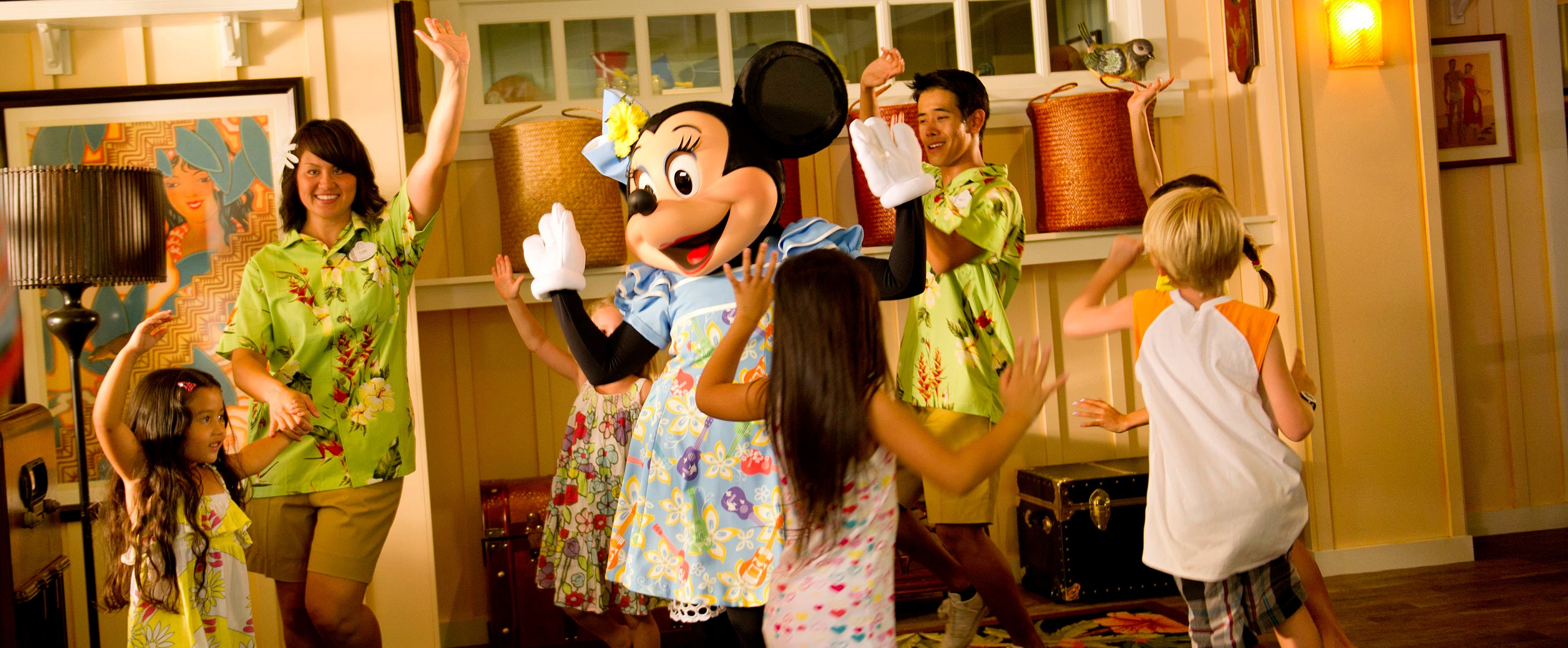 Kids dancing with Minnie Mouse at Aunty's Beach House