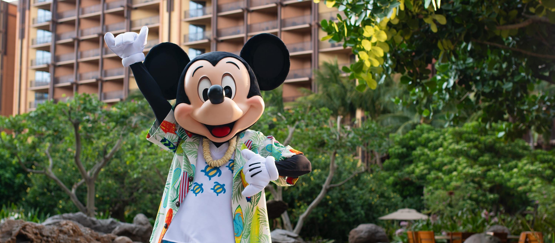 Mickey dressed in a Hawaiian shirt
