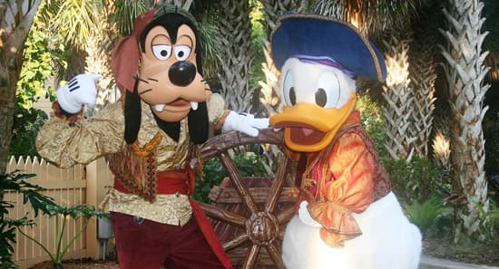 Goofy and Donald Duck Character Dinner