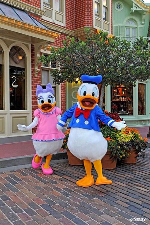 Disneys photopass adding bonus character photos to select meet and bonus character photo at magic kingdom m4hsunfo