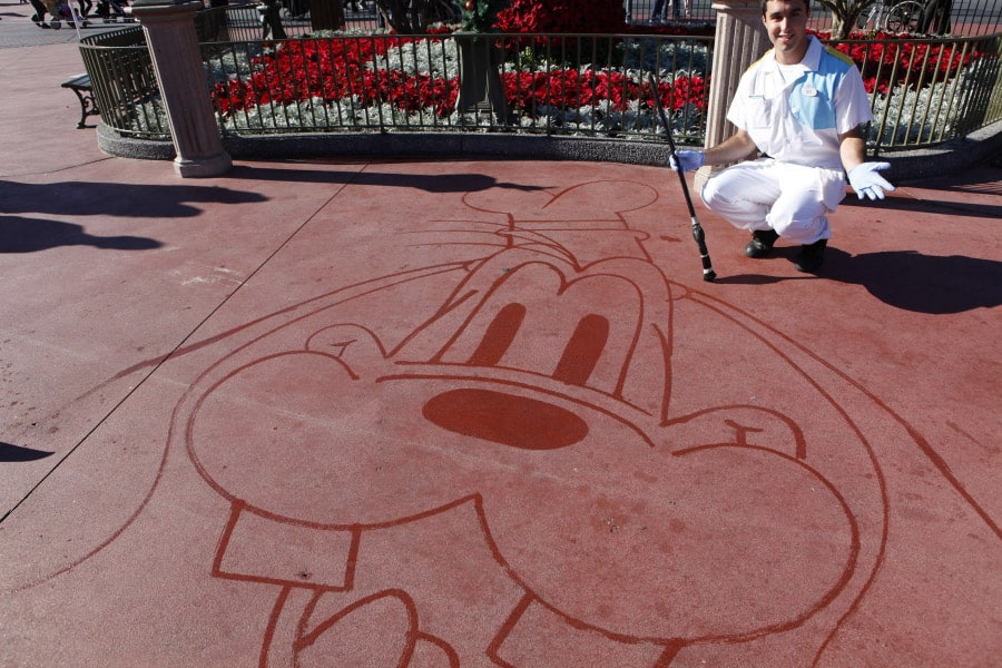 H2O to 'Oh Wow!': Custodial Cast Members Wow Guests With