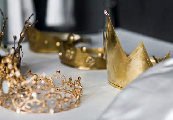 Crowns for the Evil Queen Photo Shoot