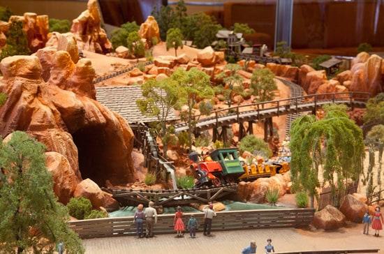Big Thunder Mountain Railroad Model Installed at Disneyland Hotel
