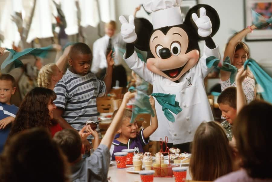 Insider Tips For Dining With Disney Characters At Walt Disney