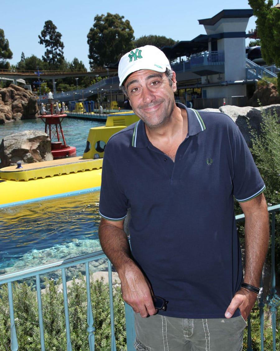 Brad Garrett Finds Nemo at Disneyland Park | Disney Parks BlogBrad Garrett Family