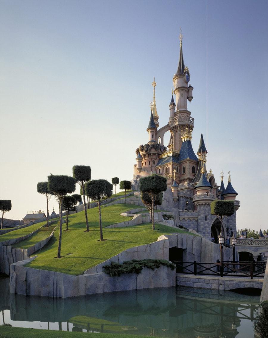 This Week In Disney History Disneyland Paris Marks Castle