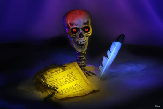 Motion-sensitive, Light Up 'Screaming Skull' and a Letter from Captain Jack