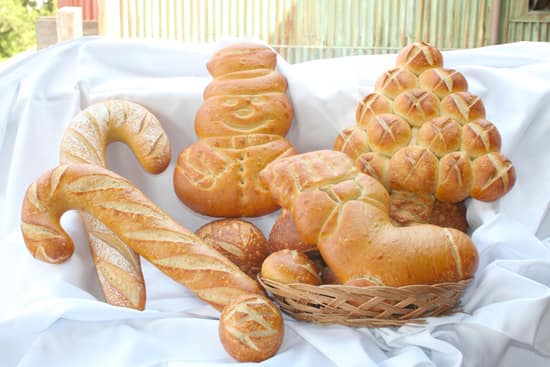 Boudin's Famous Holiday-Themed San Francisco Sourdough Bread at Disney California Adventure Park
