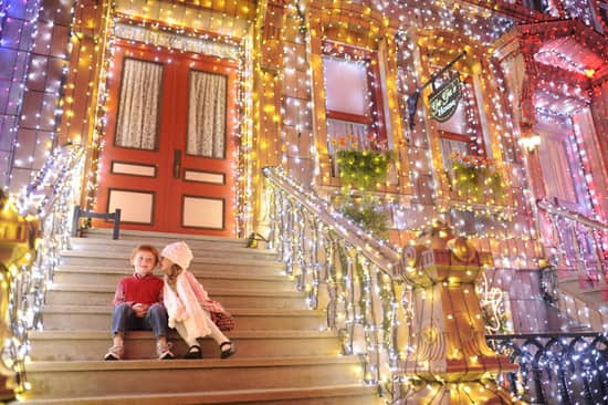 Osborne Family Spectacle of Dancing Lights at Disney's Hollywood Studios