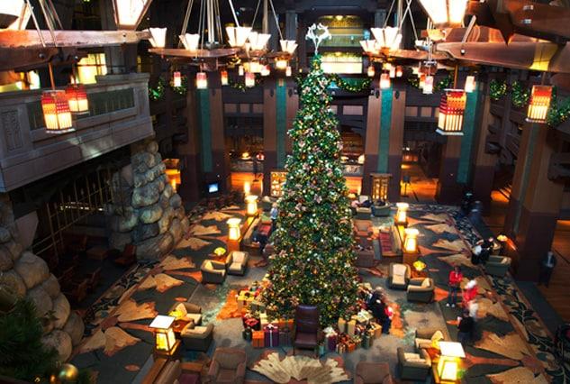 Holidays at the Disneyland Resort Hotels   Disney Parks Blog