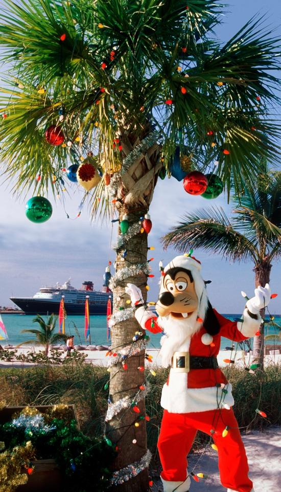 Santa Goofy Decorates at Castaway Cay
