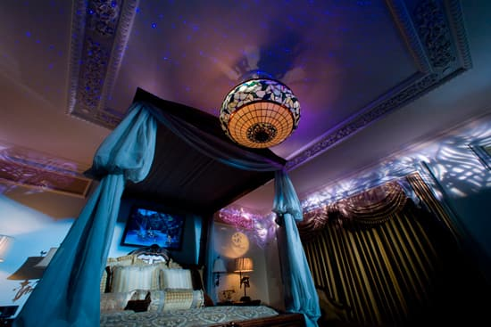 A Bedroom in the Disneyland Dream Suite