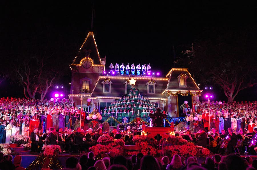 Disneyland During Christmas Time.An Early Holiday Gift For Disneyland Guests Twenty Nights