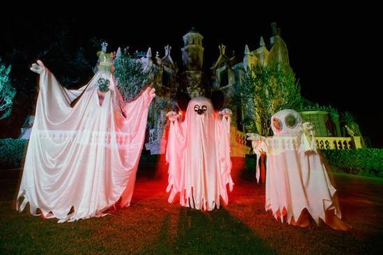 Vintage Walt Disney World: Three Ghosts at Haunted Mansion in 1987