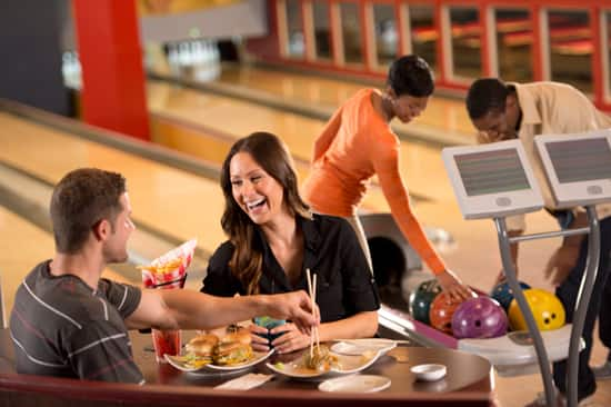 A Refreshing Spin on Alley Eats at Downtown Disney at Splitsville Luxury Lanes