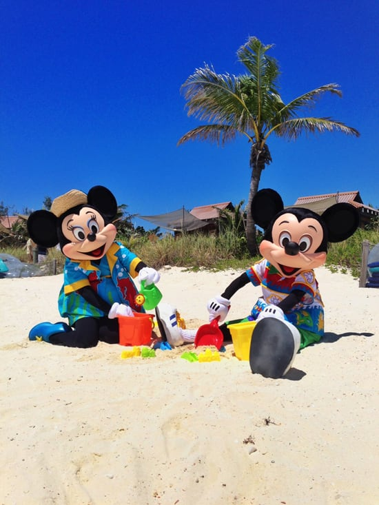 Mickey and Minnie Mouse Play at Castaway Cay