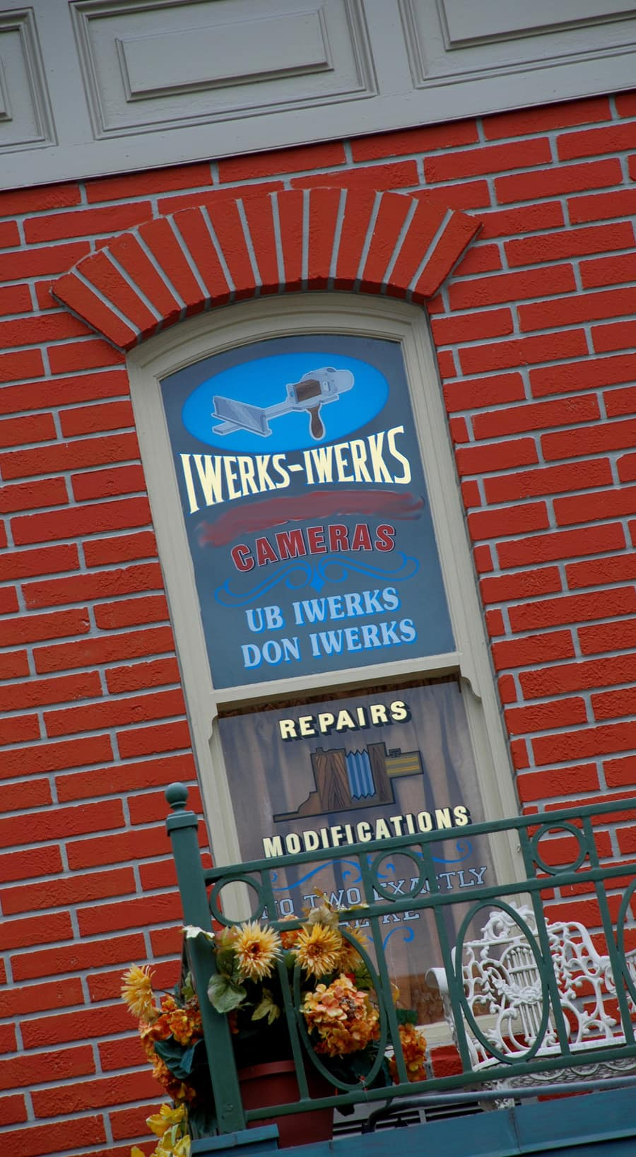 Finish That Disney Parks Sign Finding Ub Iwerks On Main Street