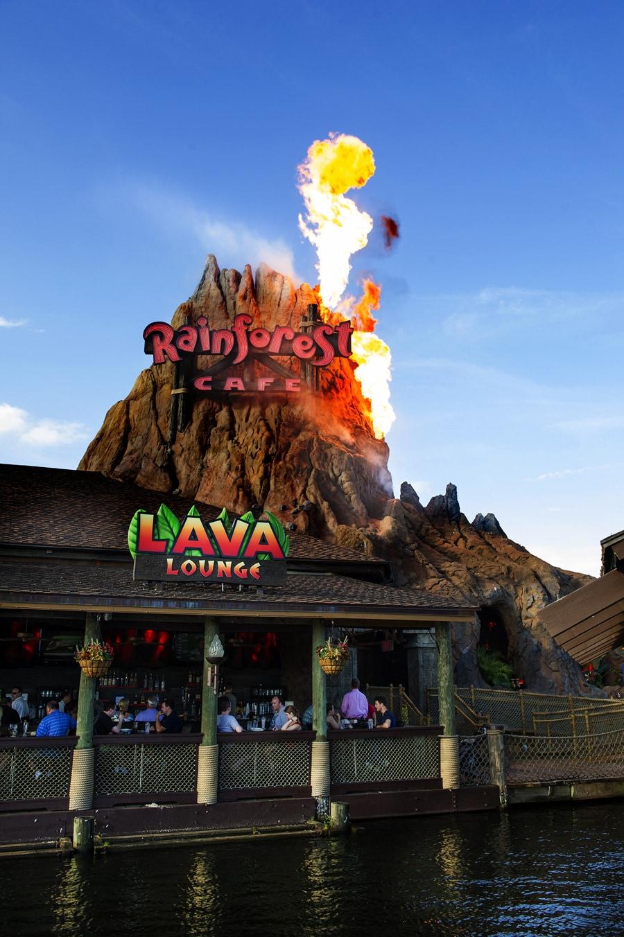 Lava Lounge no Rainforest Cafe Disney Springs