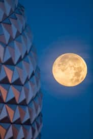 'Supermoon' Shines Over Spaceship Earth at Epcot