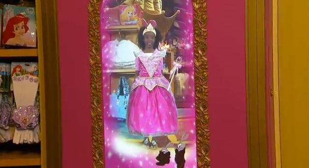 A New Magic Mirror Creates Disney Princess Memories at Walt Disney World Resort