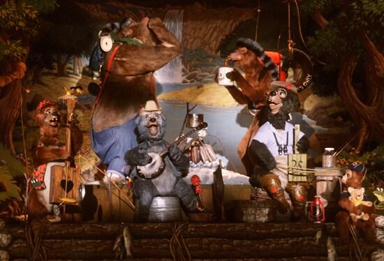 Vintage Walt Disney World: 'Bearing' The Summer Heat