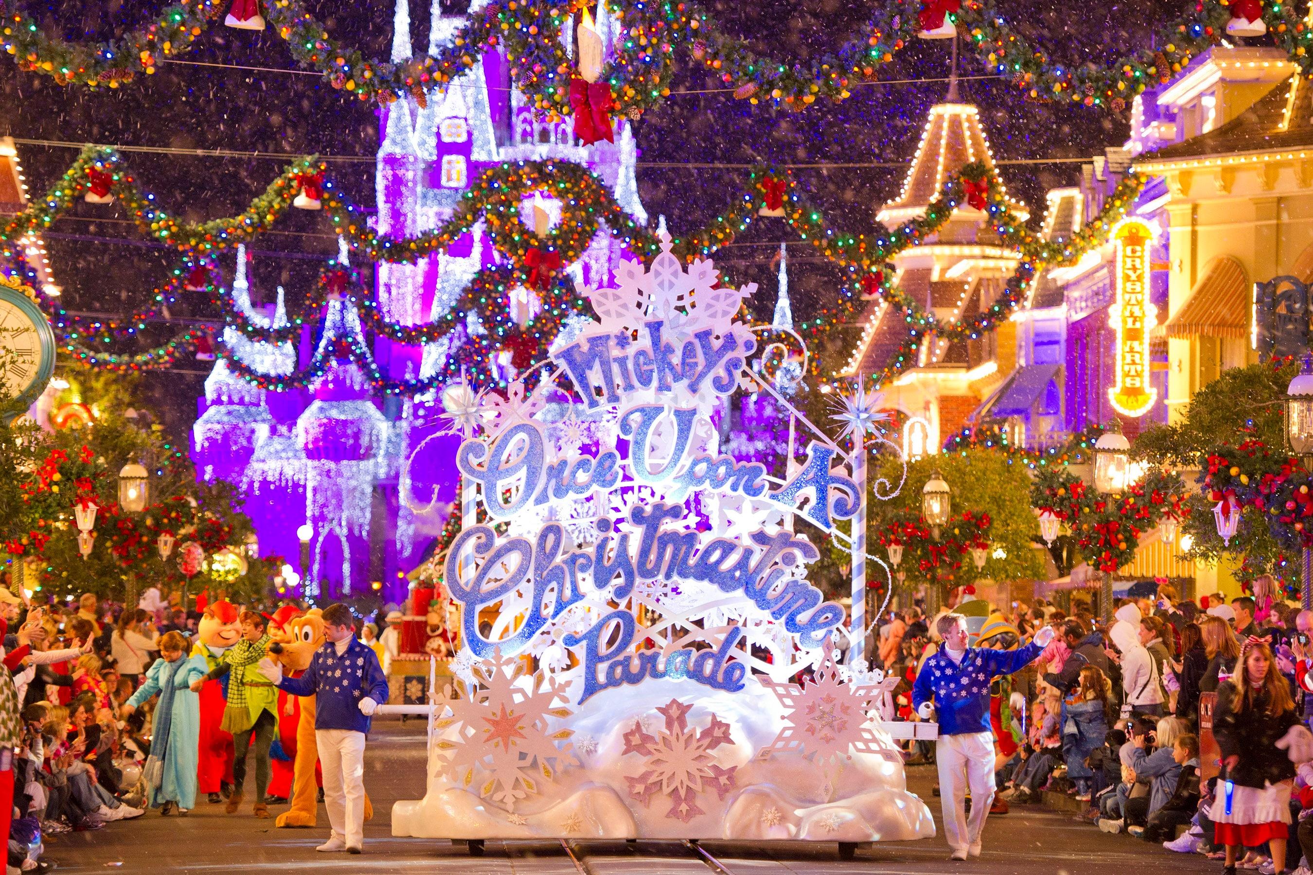 Walt Disney World Christmas.Plan Ahead For Holiday Vacations At Walt Disney World Resort
