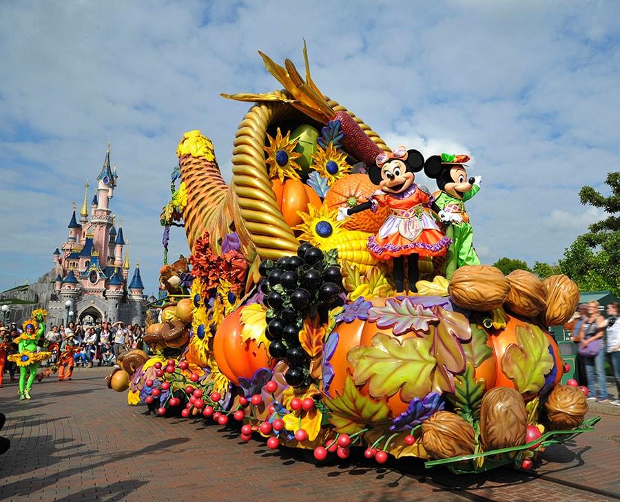 Fete Halloween Paris.Photo Gallery Mickey S Halloween Celebration Debuts At Disneyland Paris Disney Parks Blog