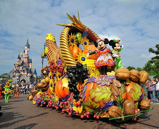 Mickey's Halloween Celebration Debuts at Disneyland Paris