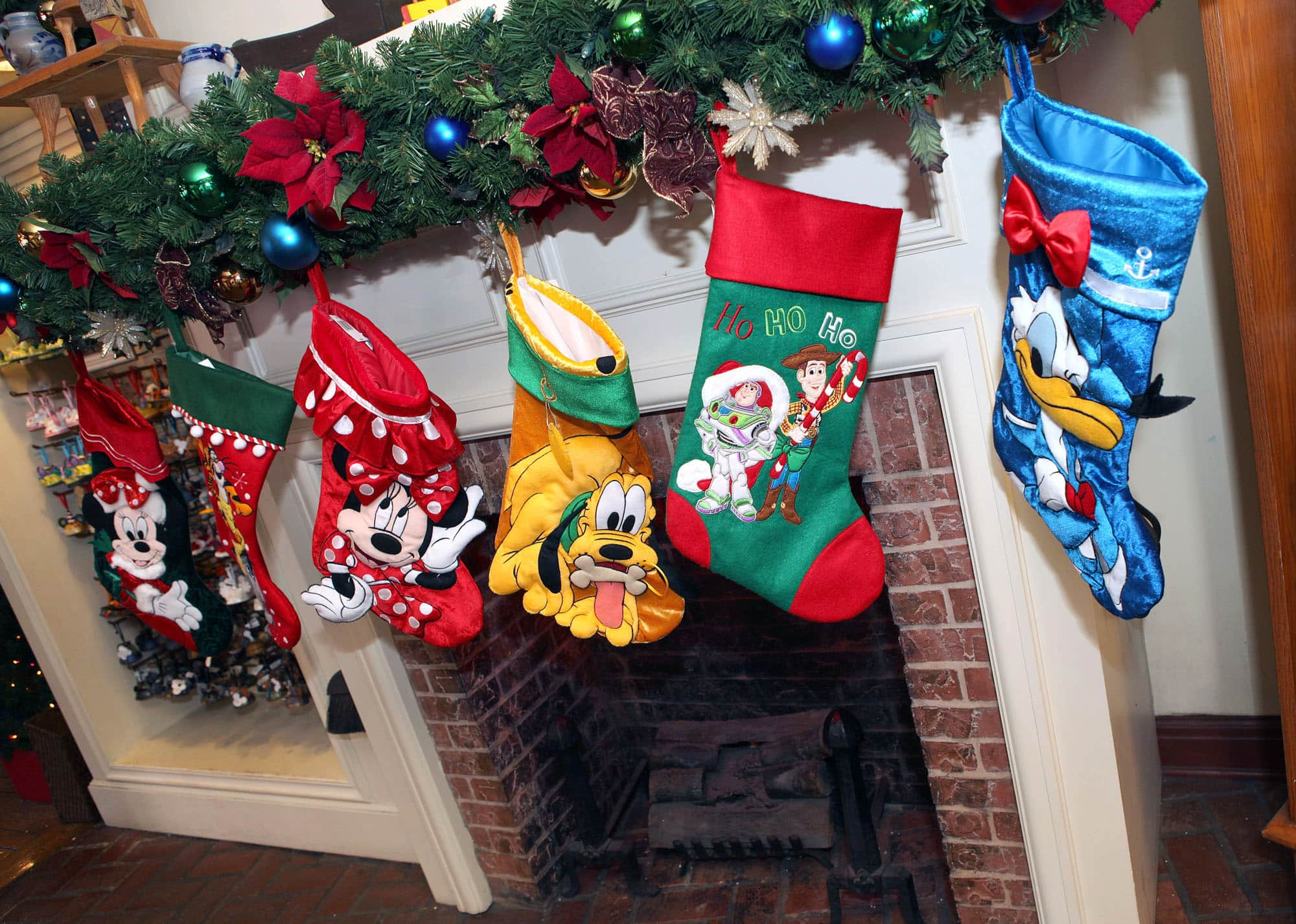 bfd827611 - Disney Christmas Store