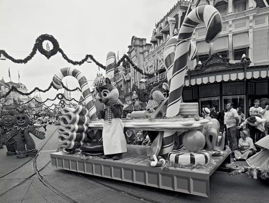 Step In Time: Christmas Parade at Magic Kingdom Park in 1977