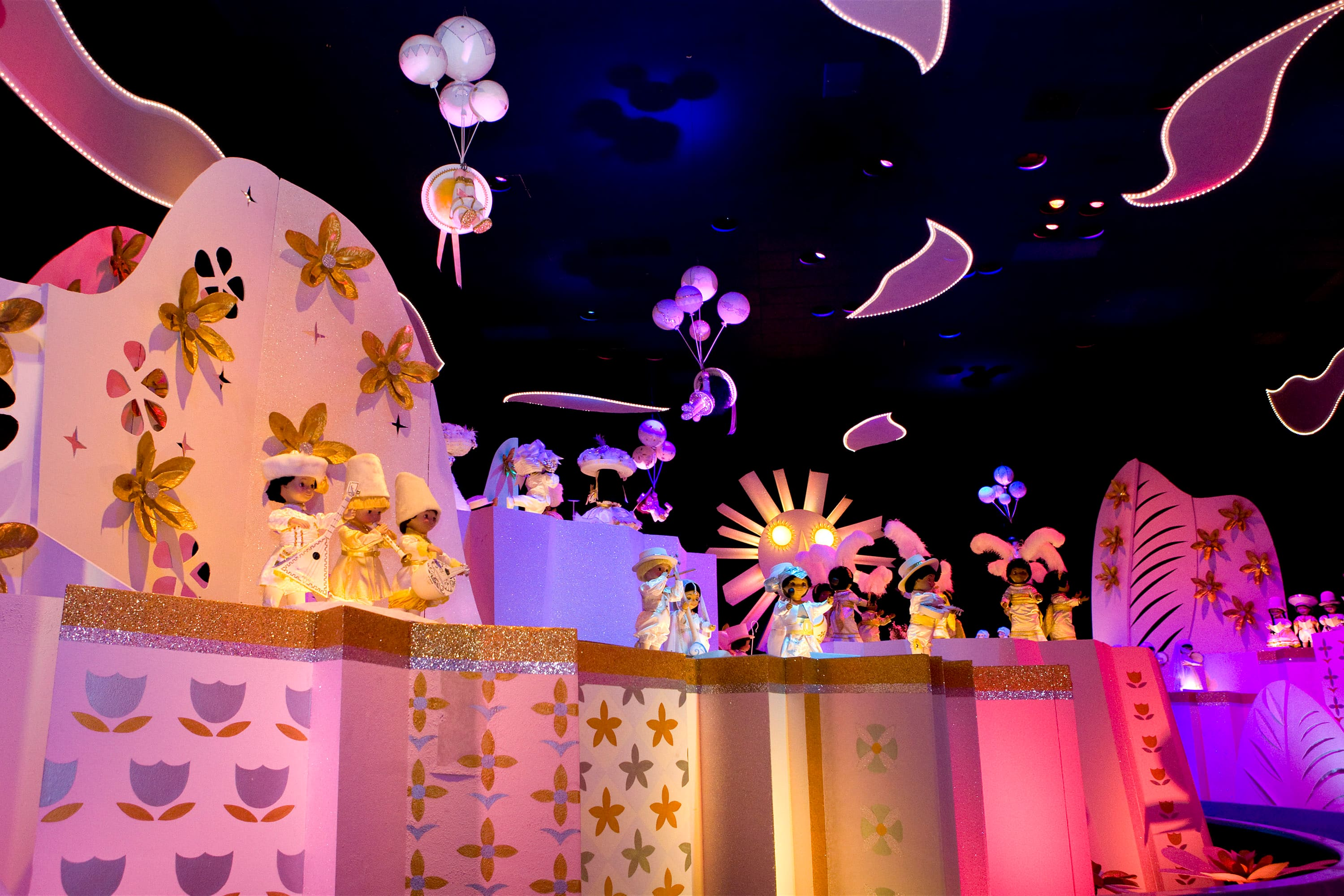 For my play room ;) It's a small world template | Disney coloring ... | 1999x3000