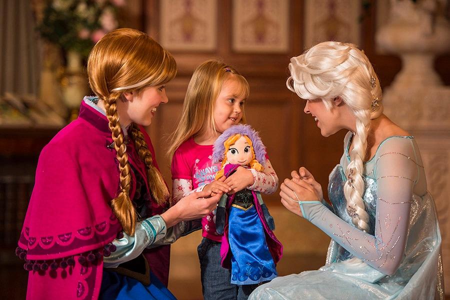 'Frozen' Anna & Elsa Arrive at Princess Fairytale Hall at Magic Kingdom Park