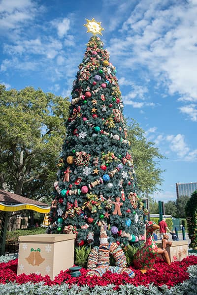 its a holly jolly christmas throughout the downtown disney area - Downtown Disney Christmas