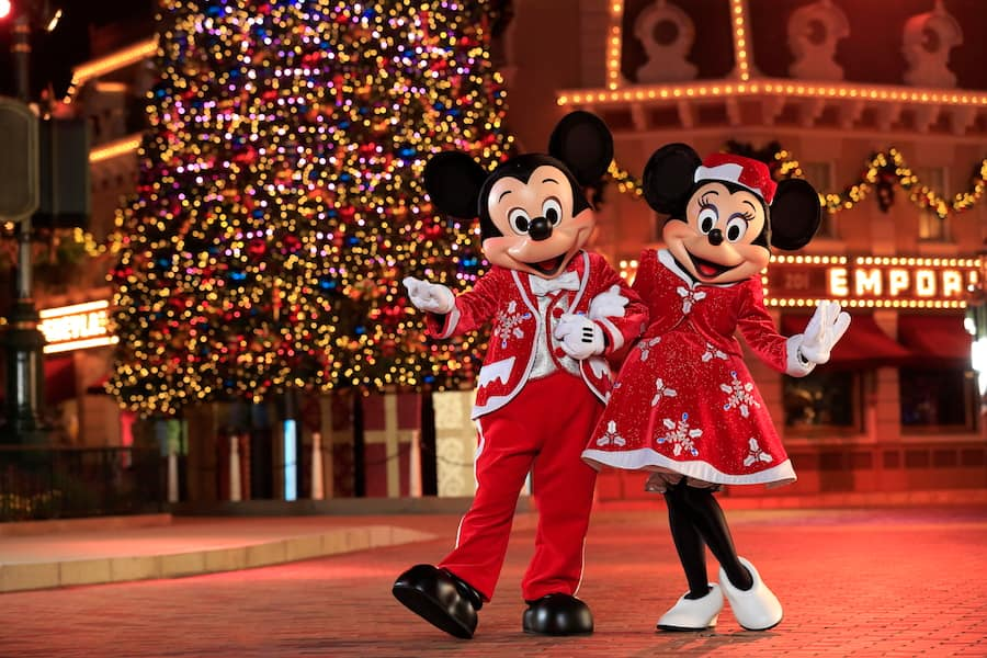 Christmas In Disneyland Hong Kong.Hong Kong Disneyland Celebrates Disney Sparkling Christmas