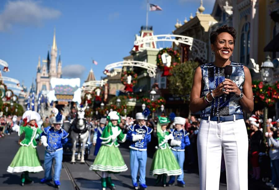 Disney Style Snapshots: Disney Parks Frozen Christmas Celebration