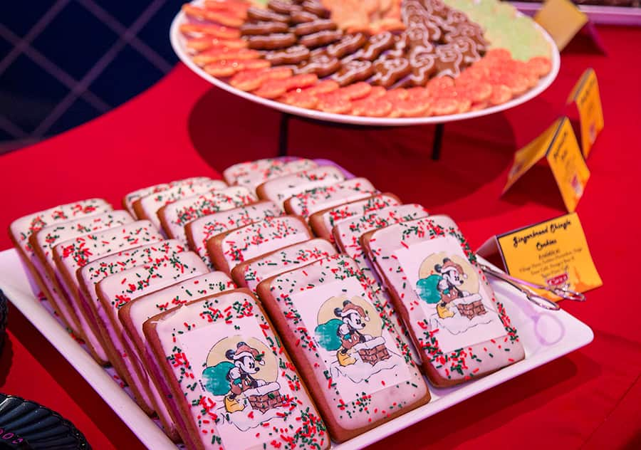 Readers Cruise Into The Holidays At Disney Parks Blog Christmas In