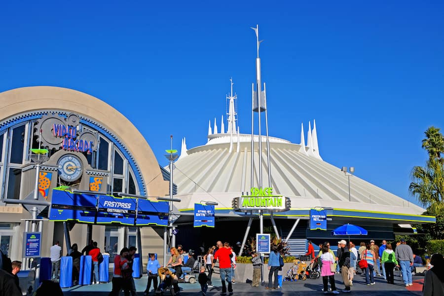 space mountain magic kingdom - 900×600