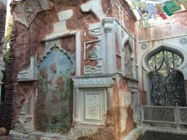 Murals and Carvings Are All Around on Maharajah Jungle Trek