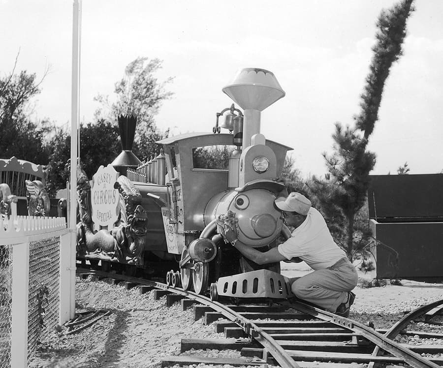 Building the Dream: The Making of Disneyland Park – Casey Jr. Circus Train
