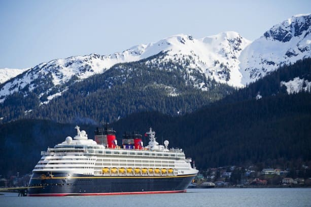 20 Awe-Inspiring Photos of Disney Cruise Line in Alaska