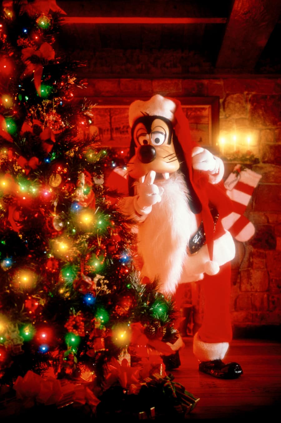 Reservations Now Open for Minnie's Holiday Dine at Hollywood & Vine