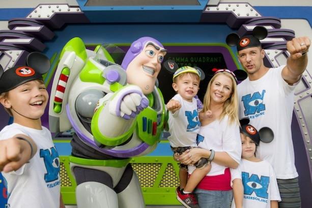 Melissa Joan Hart vacations with family at Walt Disney World Resort