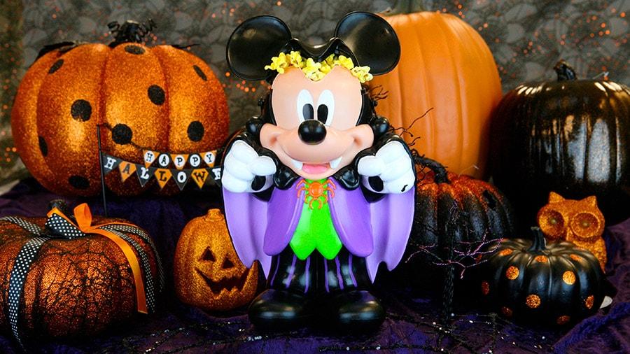Disneyland Halloween Popcorn Bucket 2018.First Look Spellbinding New Halloween Novelty Items At