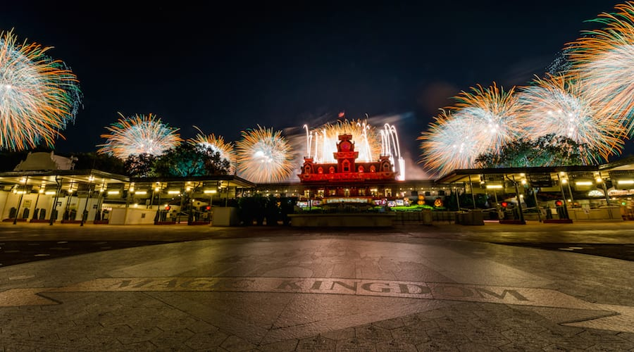 This Week in Disney Parks Photos: 'HalloWishes' Lights Up Magic Kingdom Park