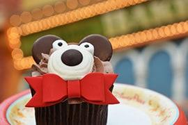 Holiday Bear Cupcake from Main Street Bakery