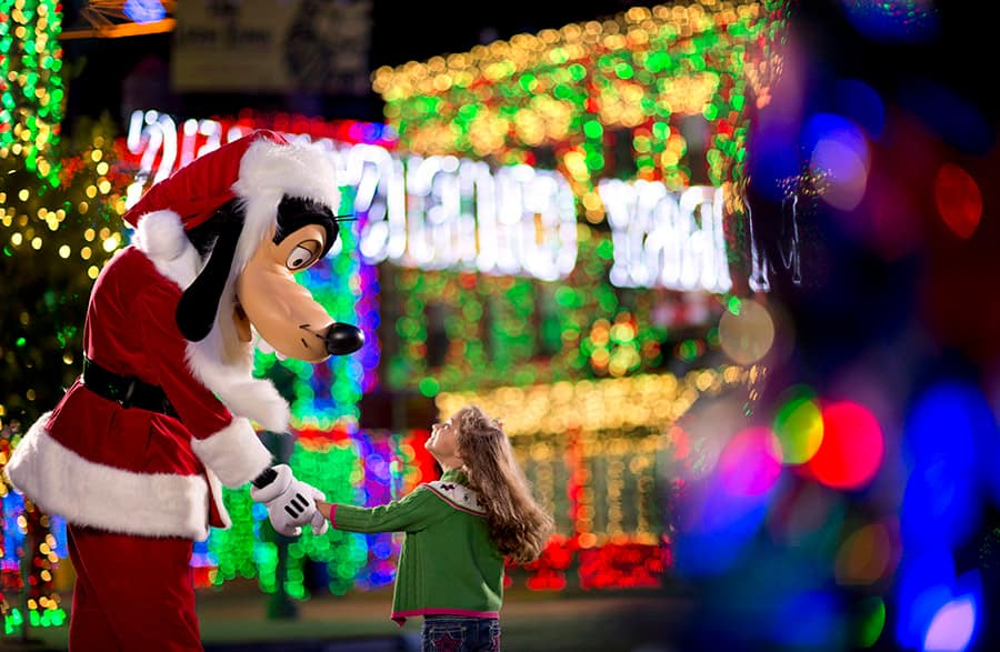 Watch The Osborne Family Spectacle of Dancing Lights Live November 18 at 10:30 p.m. EST