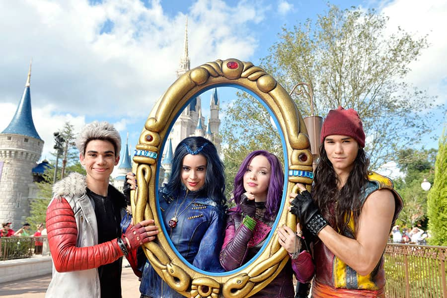 disney parks unforgettable christmas celebration taping begins by featuring descendants stars